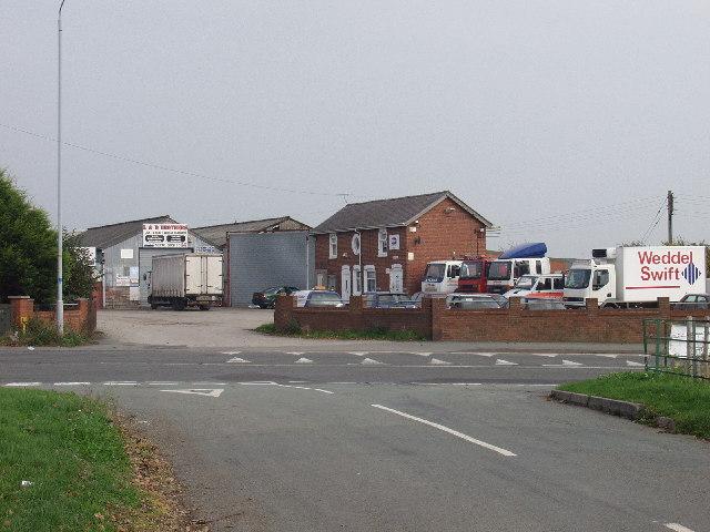 Heavy vehicle garage at Croes-y-mab, Marchwiel