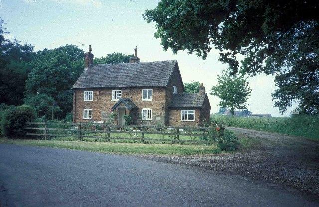 Cottage near Shelmore Wood