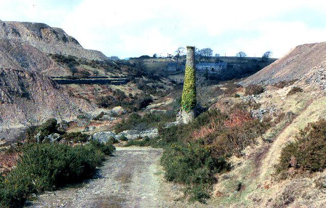 Mine chimney and spoil tips, Gonamena. 1979