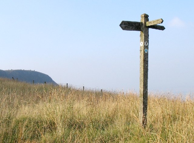 Ageing  signpost on Craig Y Llyn