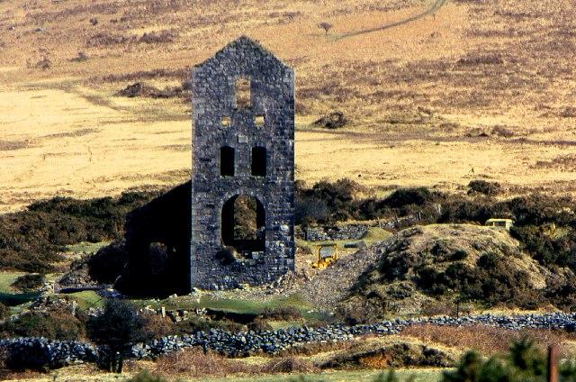 Mine engine house, near Minions, 1979