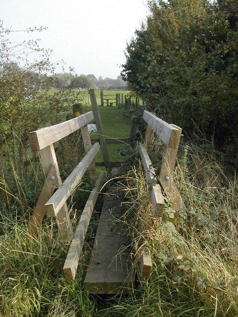 Footbridge in Draycott fields footpath