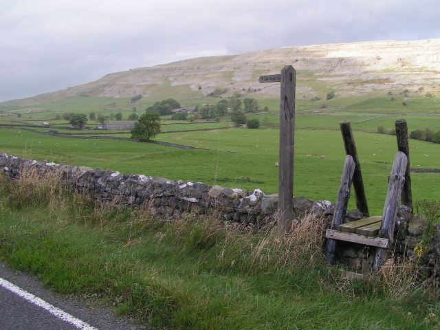 Footpath to Dale House