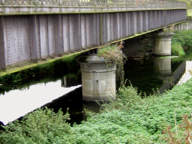 Old GNR bridge over the South Delph