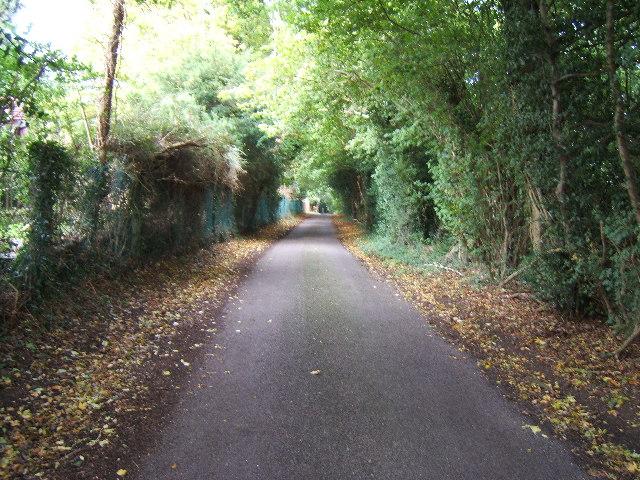 High Barn Road, Effingham