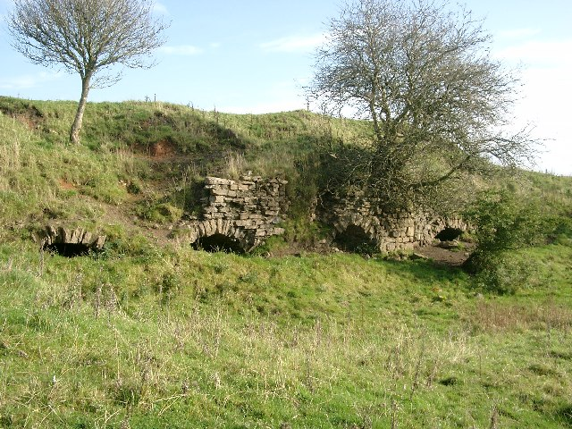 Old limekilns at Mosside