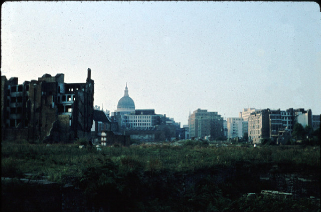 Bomb Damage nr. St. Paul's