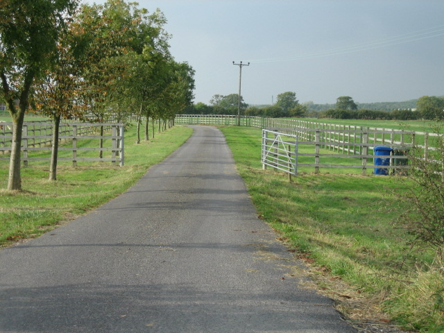 Road to Home Farm
