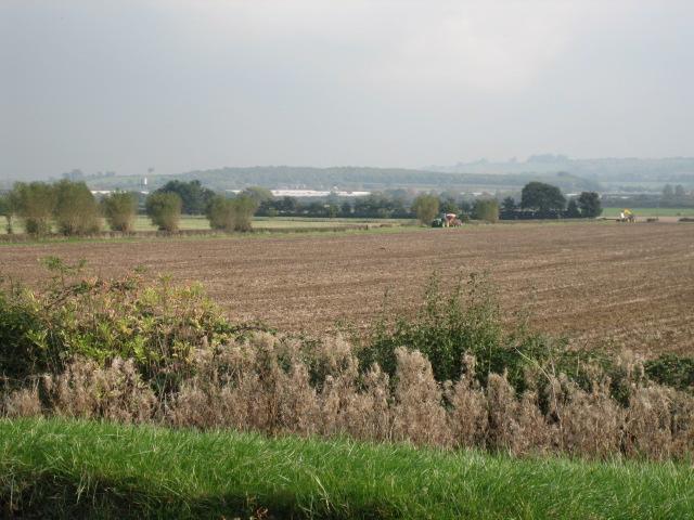 View west towards Upper Arncott Hill