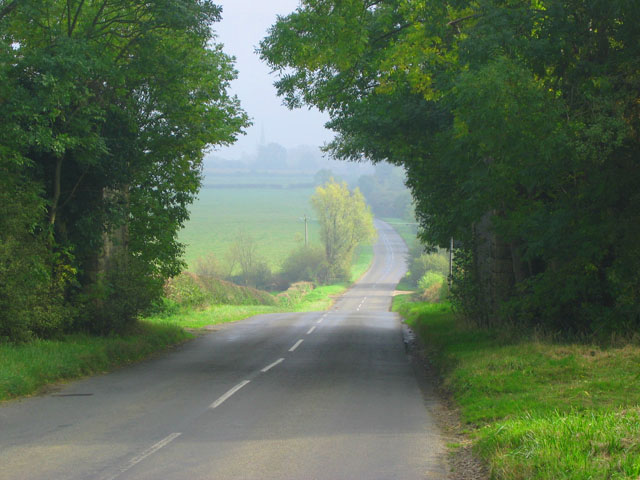 Country road between Waltham and Eastwell