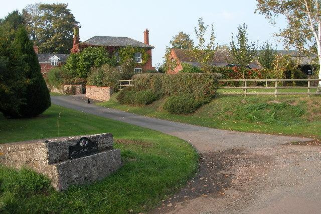 Little Yarkhill Court