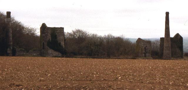 Disused mine buildings, near Kelly Bray