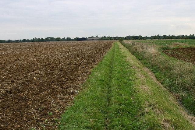 Bridleway and farmland northeast of Castor