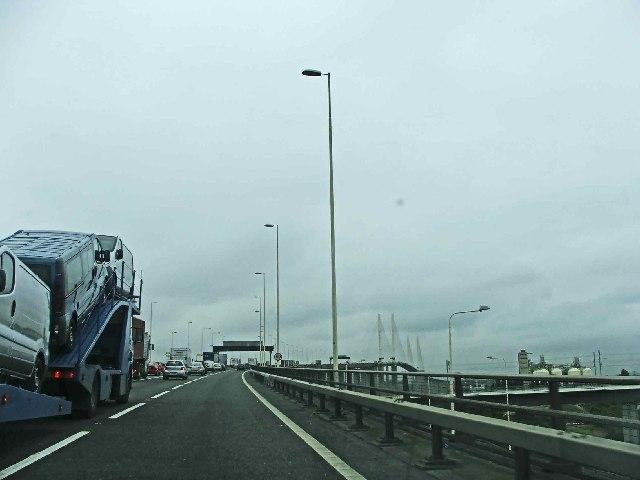 Approach to QE2 Bridge