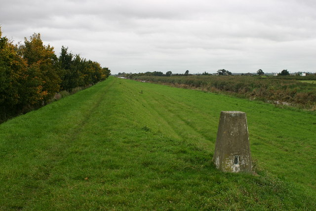Guyhirn Left Bank trig looking NE