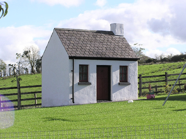 small house 169 kenneth allen geograph ireland