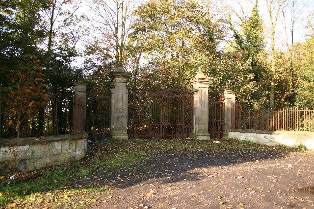 Nettleham Hall gates