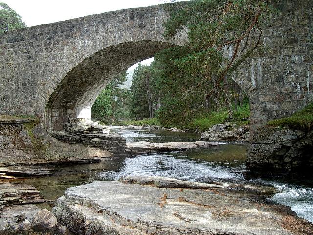 Lui bridge