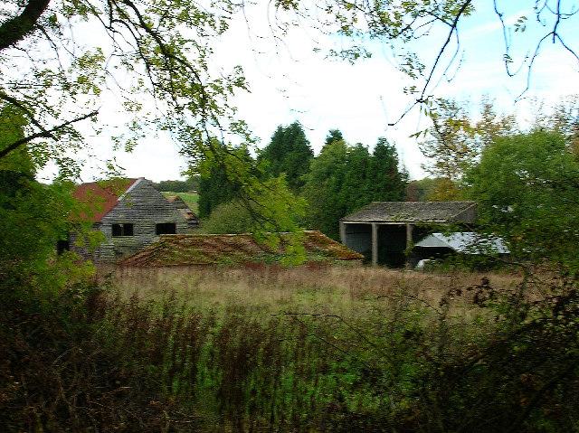 Dilapidated farm buildings, Parthings, near Horsham