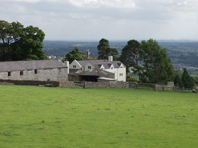 Farm buildings at Cae-Merddyn