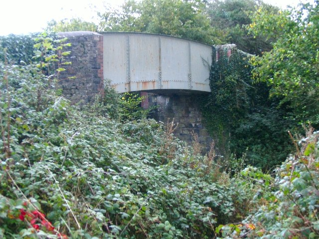 Bridge over disused railway at Pont Newydd