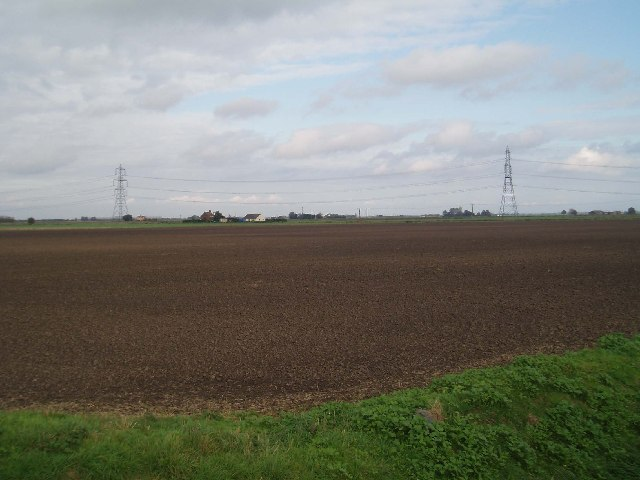 The Edge - flat fenland to a flat horizon.