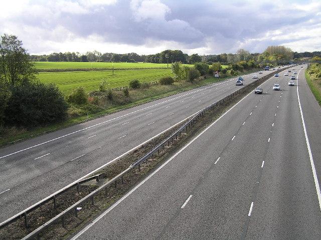 M3 westbound between junction 5 (Hook) and junction 6 (Basingstoke)
