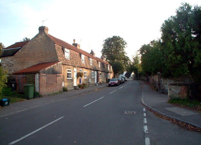 Cottages in Apthorpe Street, Fulbourn