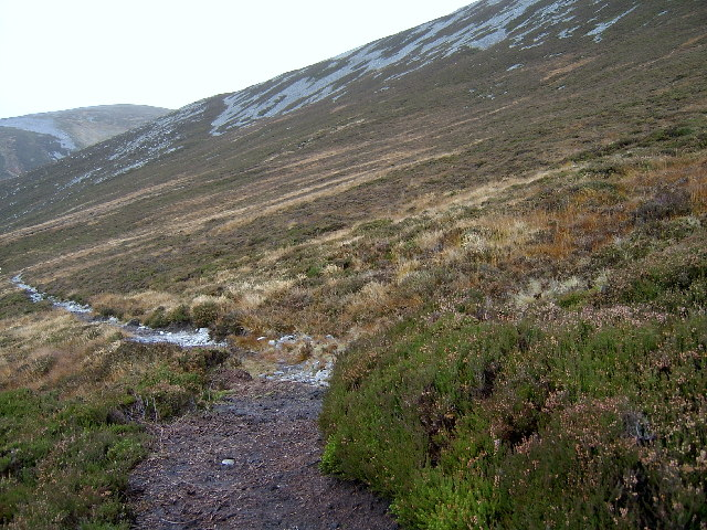 Path below Mam nan Carn