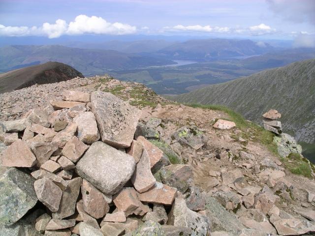 Carn Mor Dearg : Munro No 9