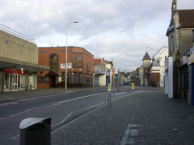 Regent Street Kingswood, looking east past the clock
