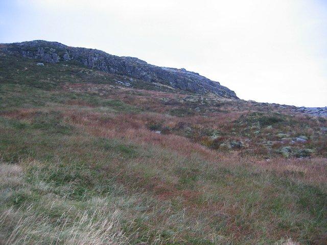 Crags above Bealach na Cruinn-leum