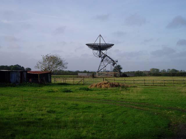 Radio telescope near Haslingfield