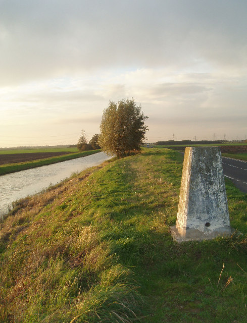 Trig pillar on banks of Well Creek, west of Nordelph.