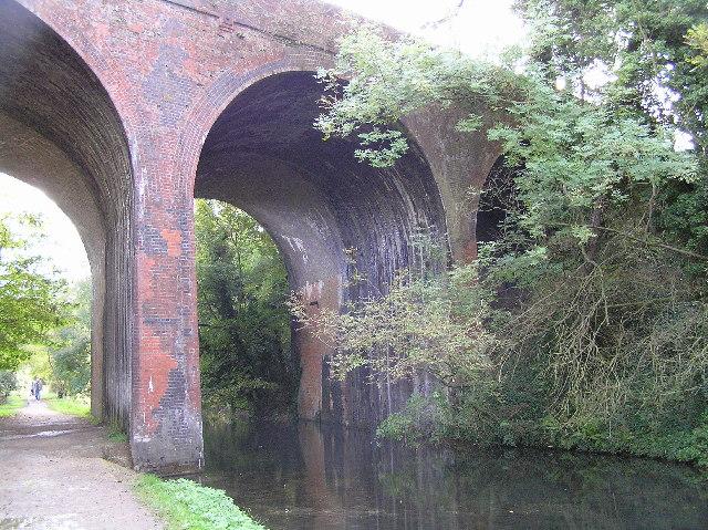 Railway bridge over the Loddon