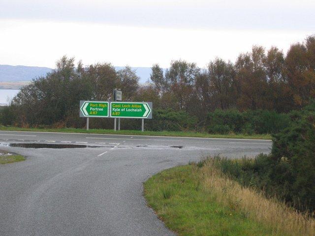 Road junction, Drochaid Lusa.