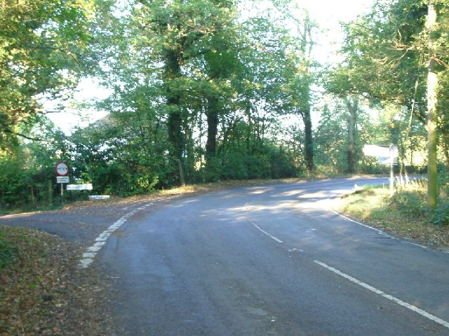 Junction of Three Mile Road (left) with Ockley Road