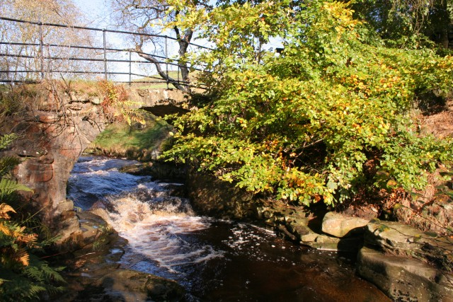 Footbridge above Lumb Falls
