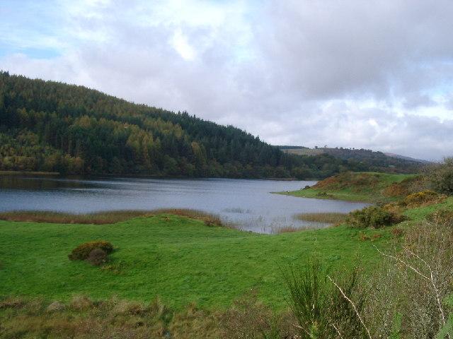 Bay half way up Woodhall Loch