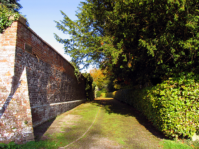 Path to the Church at Chaddleworth