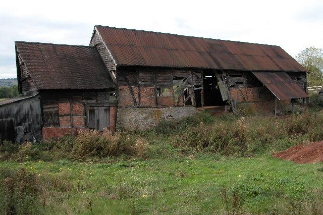 Old barn at Court Farm, Aylton