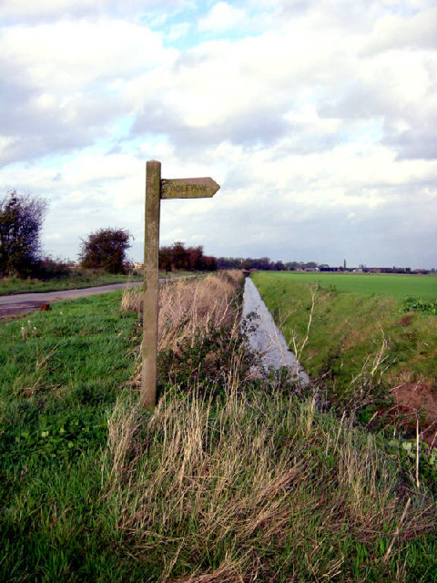 Bridleway marker on Whitgift Common