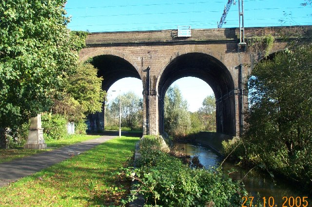 Watford: Five Arches railway viaduct
