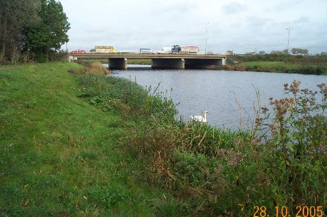 Jubilee River: M4 motorway bridge