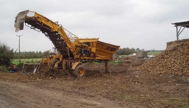 Sugar beet machinery: Pingle Road.
