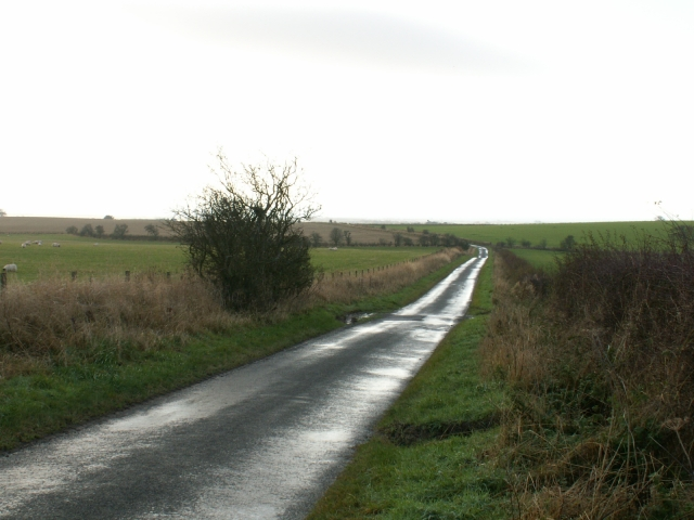 The northern approach to Carnbee