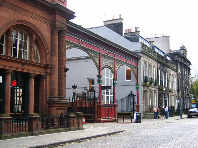 Gateway, Caledonian Hotel