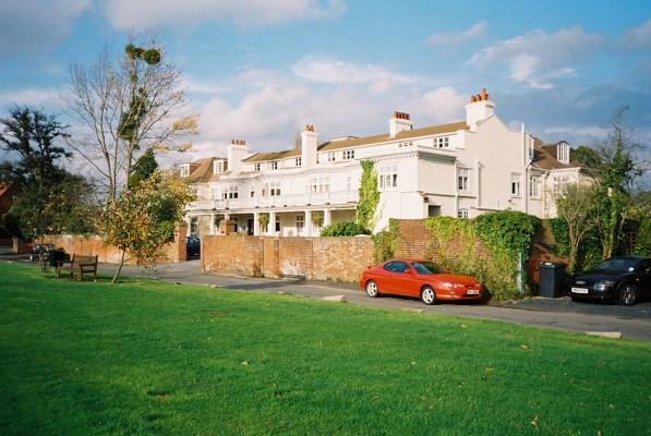 Holyport Lodge