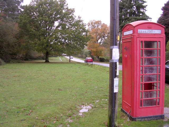 Red telephone box alongside Woodlands Road, New Forest