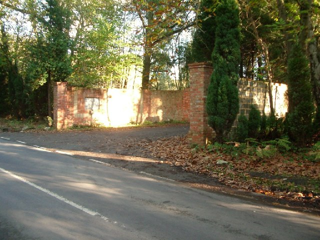 The entrance to Double S Farm, Stonehill Road